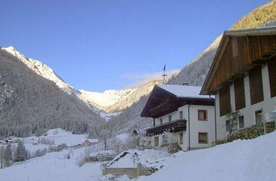 winter-holidays-racines-val-giovo-alto-adige-(8)